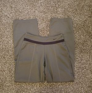 3/25Nike Performance Yoga Pants